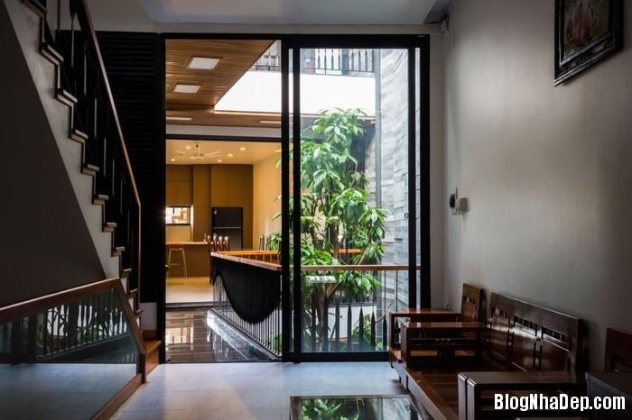 nha pho 4 tang ngap tran cay xanh o da nang 11 062800025 Mẫu ngôi nhà 4 tầng với vườn cây xanh mát quanh năm ở Đà Nẵng