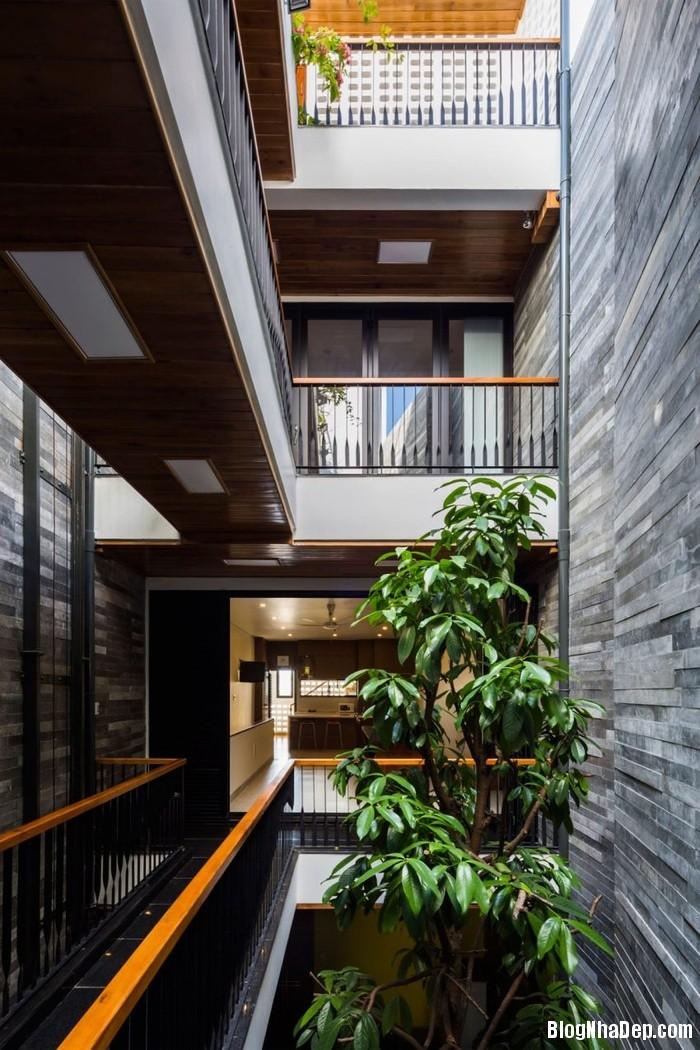 nha pho 4 tang ngap tran cay xanh o da nang 4 062800196 Mẫu ngôi nhà 4 tầng với vườn cây xanh mát quanh năm ở Đà Nẵng