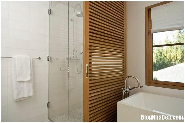 144941baoxaydung image003 Cách bảo quản cửa gỗ tự nhiên thế nào cho đúng cách?