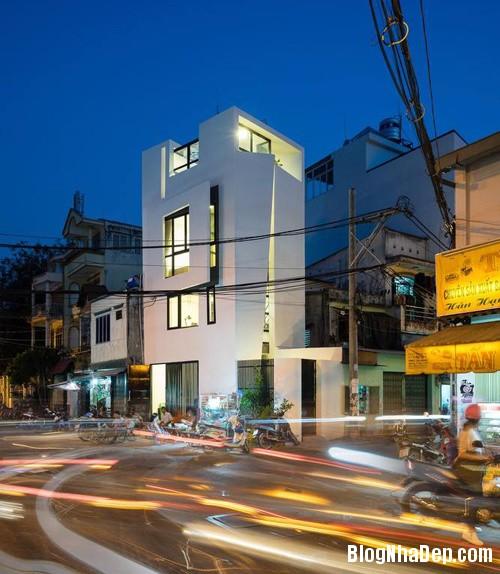082552l 2 Nhà 27m2 nổi bật giữa phố Sài Gòn vì có kiến trúc lạ