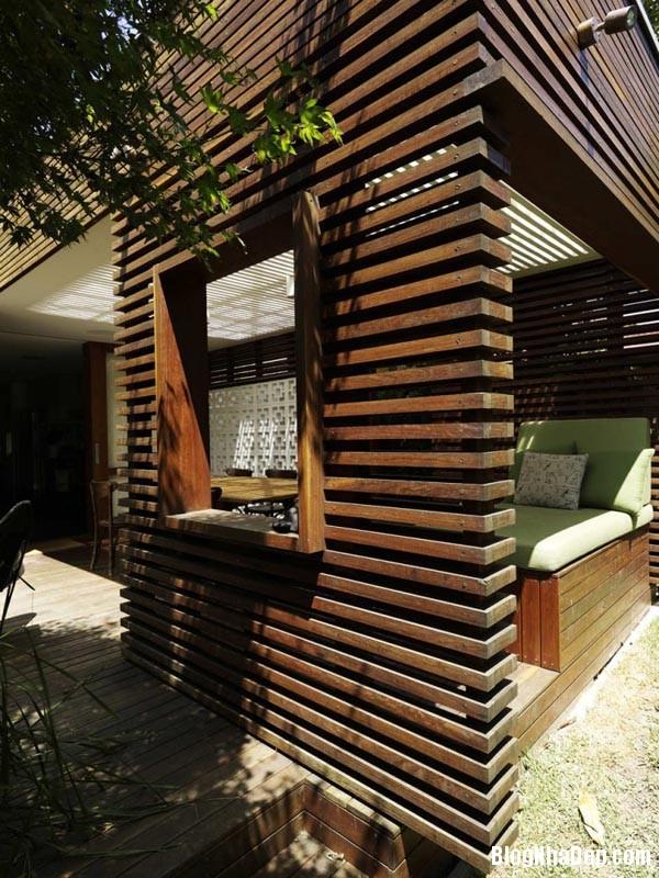 015807l 4 Mẫu kiến trúc nhà phố hiện đại từ gỗ và gạch thô