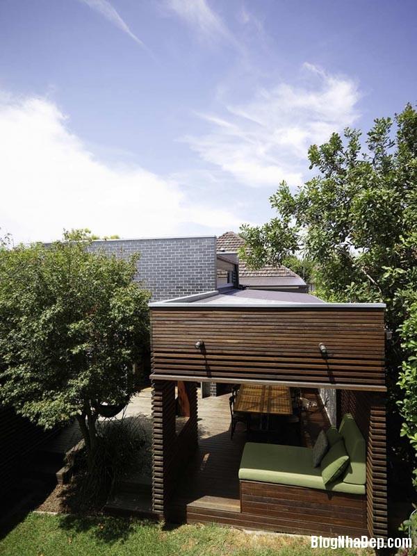 015807l 5 Mẫu kiến trúc nhà phố hiện đại từ gỗ và gạch thô
