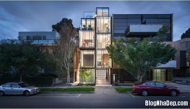 015251l 1 Mẫu nhà phố đẹp 5 tầng với cấu trúc kính hiện đại