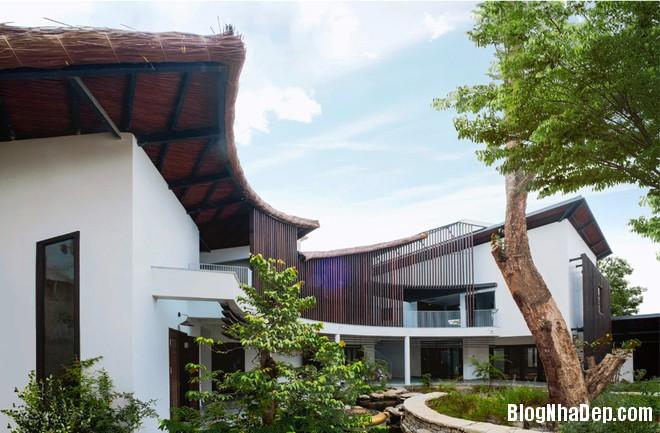 074631l 3 Không gian đẹp bất ngờ trong ngôi nhà mái lá bình yên ở giữa thành phố Biên Hòa