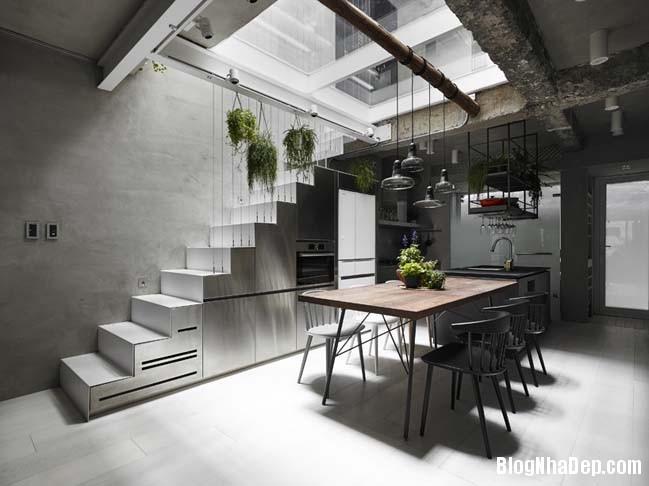 nha pho dep 3 tang 02 Cách cải tạo ngôi nhà 50 tuổi thành không gian ngập tràn ánh sáng