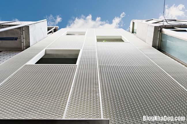 nha pho dep 3 tang 17 Cách cải tạo ngôi nhà 50 tuổi thành không gian ngập tràn ánh sáng