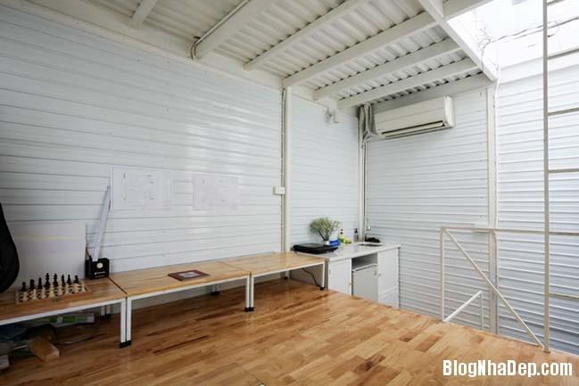 mau nha pho nho dep 10m2 10 Biến ngôi nhà phố nhỏ hẹp thành văn phòng ngập tràn ánh sáng