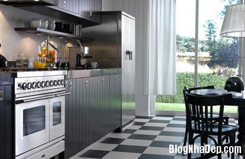 020834l 2 Nhờ biết cách phối màu mà căn bếp trông thanh lịch hẳn