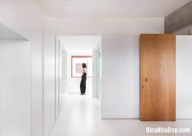 75 Thiết kế tối giản bỏ bớt tường khiến nhà 96 m2 trở nên thật rộng rãi