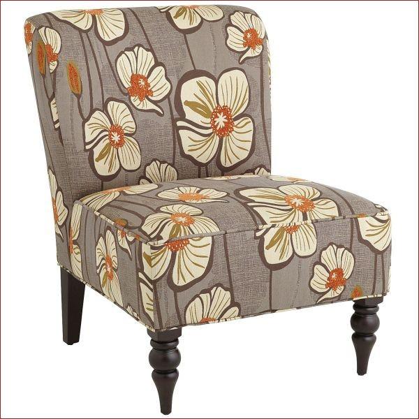 nha dep hon nho ghe boc da in hoa tiet 008 Những mẫu ghế da họa tiết sang trọng cho không gian phòng khách