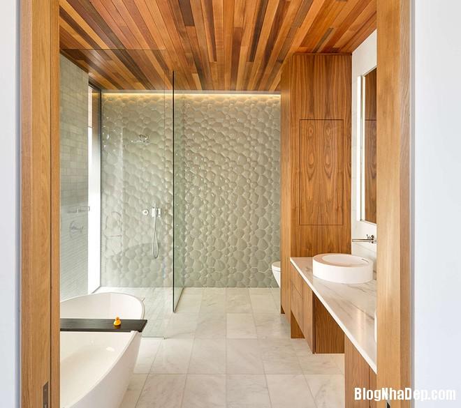 img20170614085139828 Sáng bừng không gian phòng tắm với gạch đá lát tường 3D