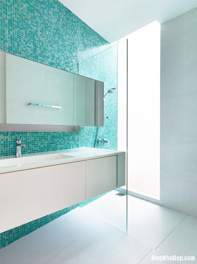 523 Phòng tắm xanh – trắng mát lịm thách thức cái nắng oi bức mùa hè
