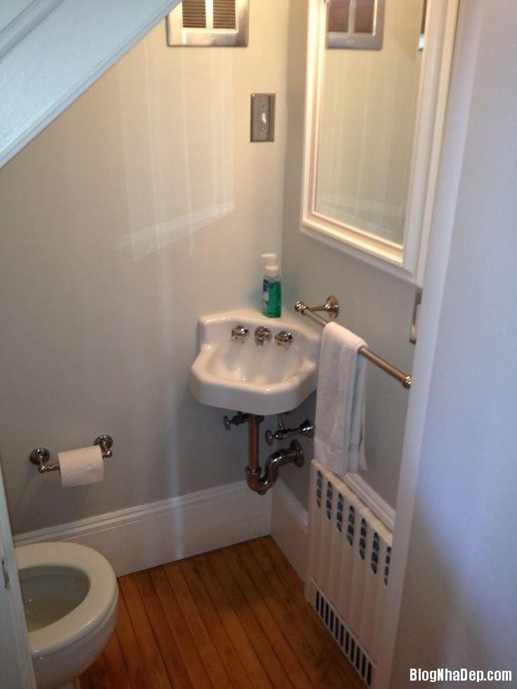 528 Tận dụng góc chết dưới gầm cầu thang làm nhà vệ sinh đẹp không ngờ