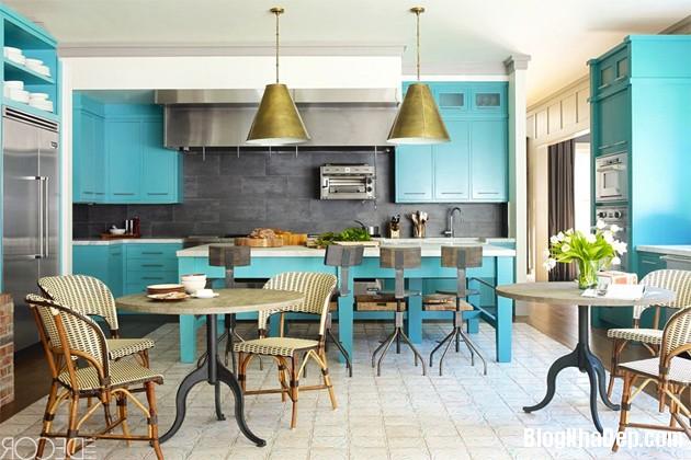 bep mau ngoc lam 13 Những căn bếp màu ngọc lam đẹp hài hòa và sang trọng