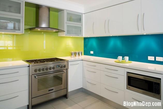 bep mau ngoc lam 4 Những căn bếp màu ngọc lam đẹp hài hòa và sang trọng