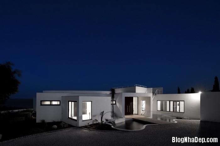 colunata house by mario martins 08 Colunata House / Ngôi nhà đơn giản mà sang trọng ở Lagos, Bồ Đào Nha