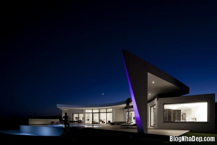 colunata house by mario martins 09 Colunata House / Ngôi nhà đơn giản mà sang trọng ở Lagos, Bồ Đào Nha