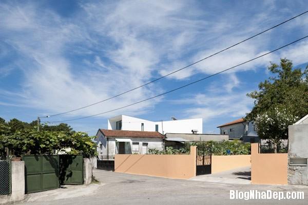 Mau Nha 2 Tang Dep 29207 Mẫu Nhà Roque House Với Mặt Tiền 2 Hướng ở Oliveira de Azemeis, Bồ Đào Nha