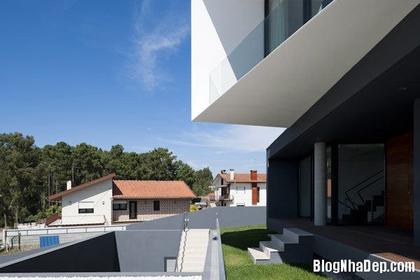 Mau Nha 2 Tang Dep 29208 Mẫu Nhà Roque House Với Mặt Tiền 2 Hướng ở Oliveira de Azemeis, Bồ Đào Nha