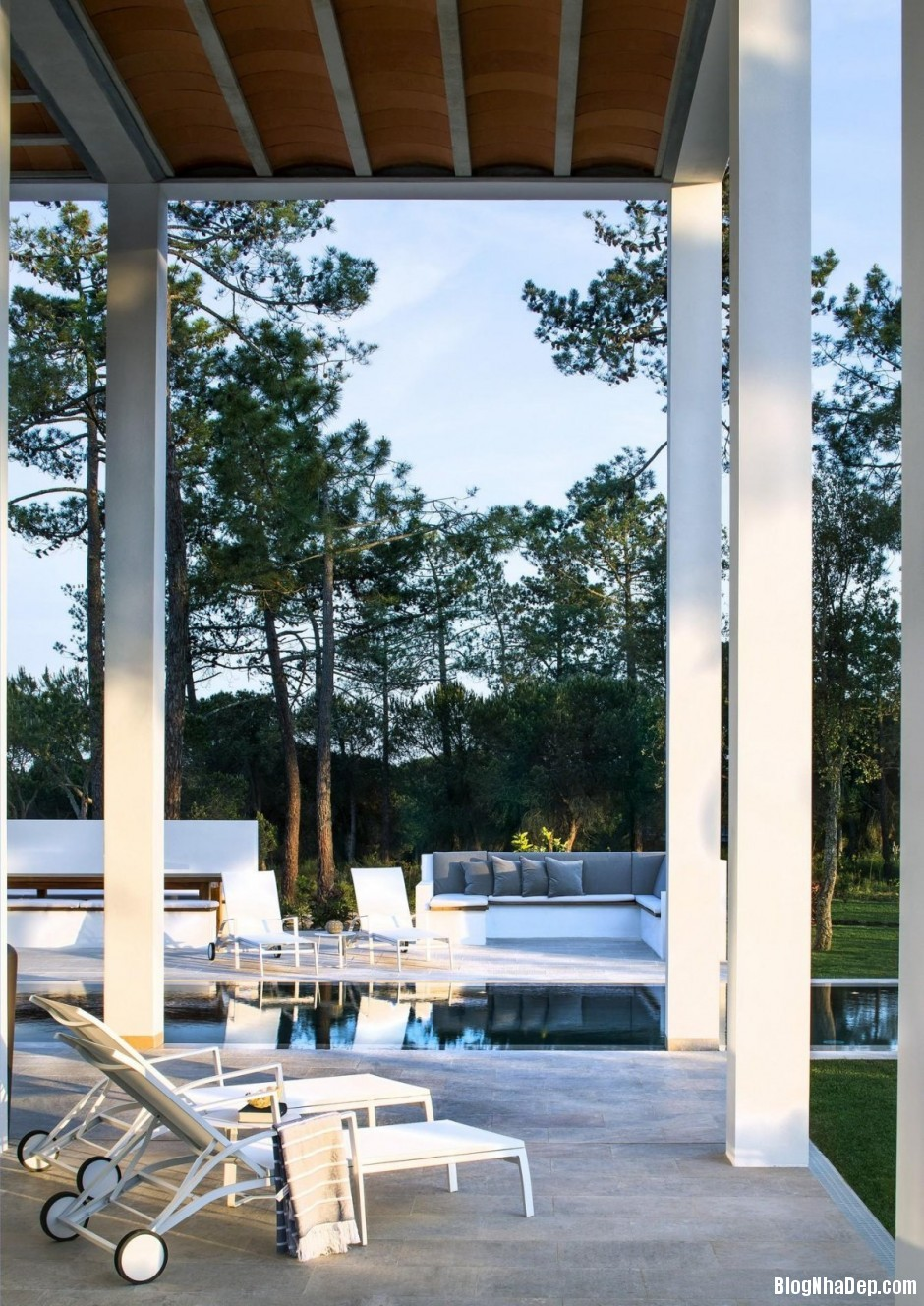 Mau Thiet Ke Nha Dep North House 07511 Mẫu nhà đẹp cạnh sân golf tại Bồ Đào Nha