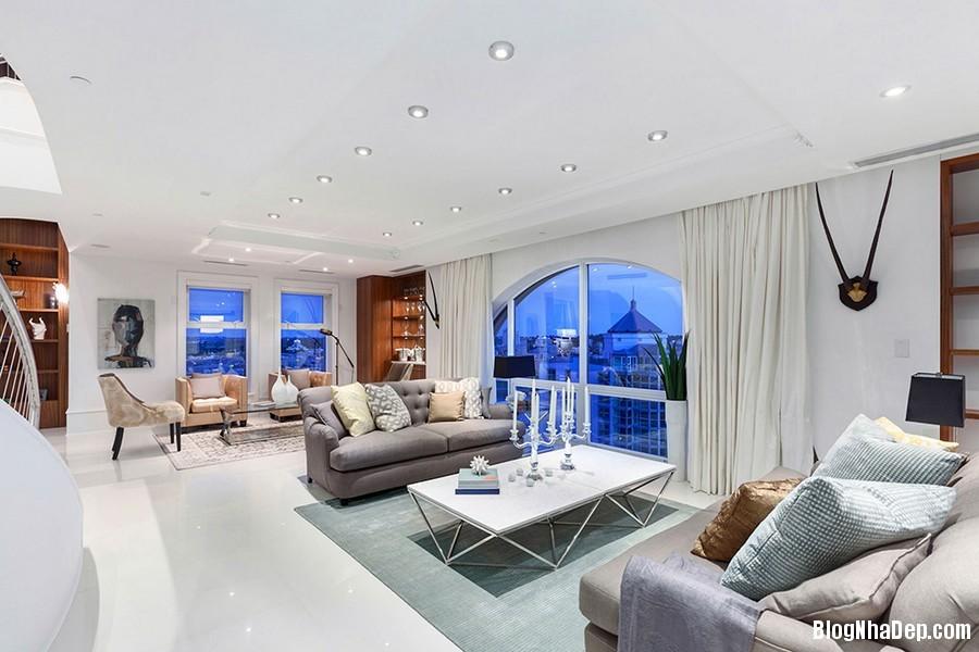Mau Thiet Ke Nha Penthouse Elysium 0271 Mẫu nhà đẹp với trần nhà cao và cửa sổ hình mái vòm