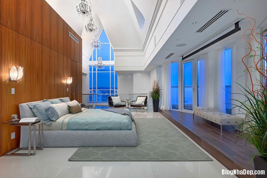 Mau Thiet Ke Nha Penthouse Elysium 02710 Mẫu nhà đẹp với trần nhà cao và cửa sổ hình mái vòm