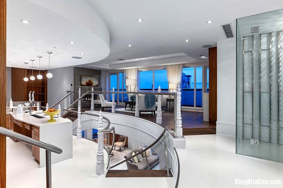 Mau Thiet Ke Nha Penthouse Elysium 0274 Mẫu nhà đẹp với trần nhà cao và cửa sổ hình mái vòm