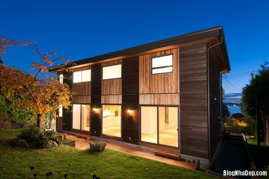 nhacanada091113 2 Ngôi nhà hiện đại nhưng ấm áp ở Canada