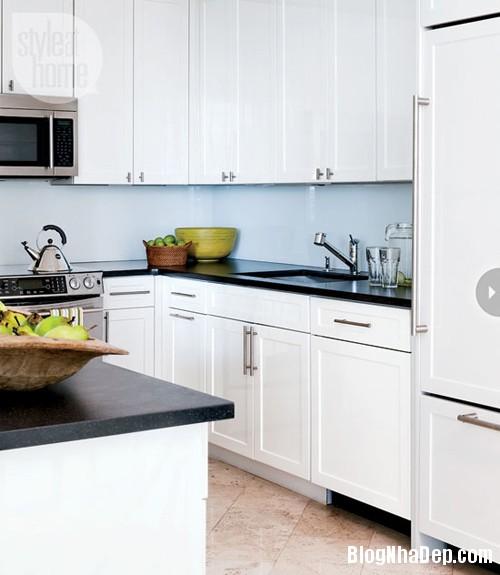 1372895164 fresh miami condo kitchen Ngắm căn hộ cao cấp bên bờ biển Miami