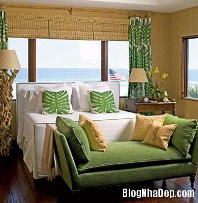 1green bedroom3 Phòng ngủ dễ chịu hơn với gam màu xanh lá