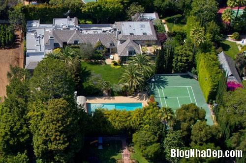20131028020045677 Nữ hoàng nhạc pop Madonna rao bán ăn biệt thự ở Beverly Hills