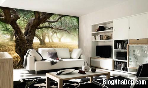20140514084552106 Phòng khách ấn tượng với giấy dán tường và tranh cổ điển