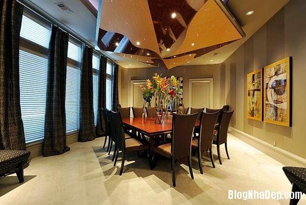 Elegant living room with ve Trang trí nội thất nhà bằng họa tiết kẻ sọc