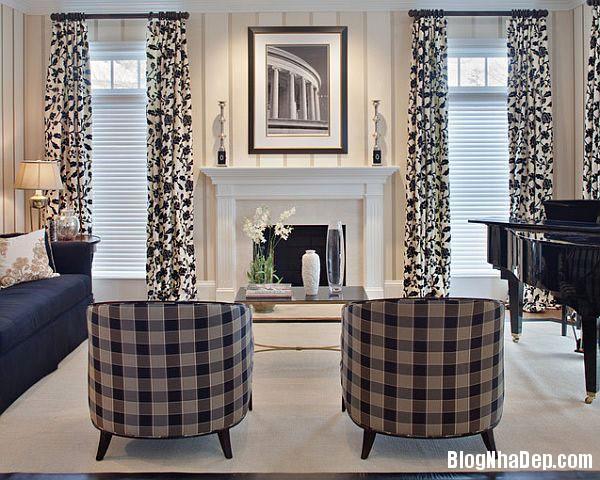 elegant dining room with cl Trang trí nội thất nhà bằng họa tiết kẻ sọc