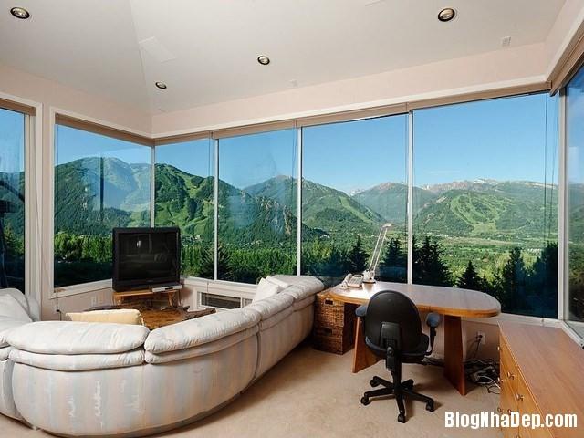 file.319139 Nhà kính sang trọng nằm trên một ngọn núi ở thành phố Aspen, Colorado