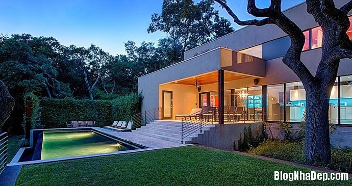 file.326358 Ngôi nhà với phong cảnh thiên nhiên xinh đẹp nằm trên đồi West Lake Hills