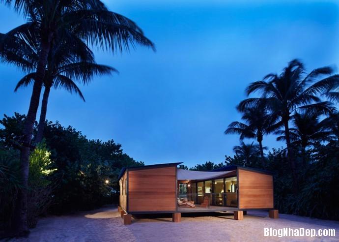 file.342790 Ngôi nhà cơ động tọa lạc bên bờ biển Miami