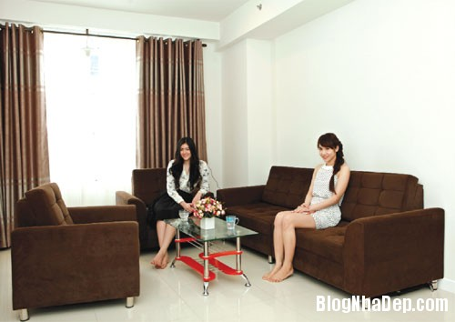 file 00214 Thăm căn hộ xinh đẹp của chị em người mẫu Huỳnh Vân   Huỳnh Tiên