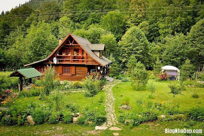 file 0034 Ngôi nhà thanh bình dưới chân núi