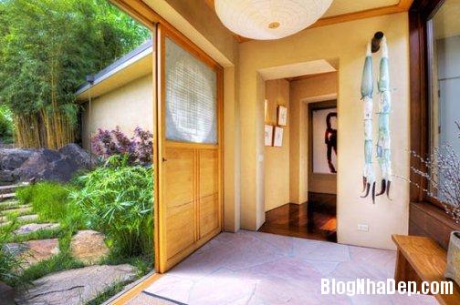 file 0041 Ngôi nhà kiểu Nhật Bản nằm trong một vườn nho