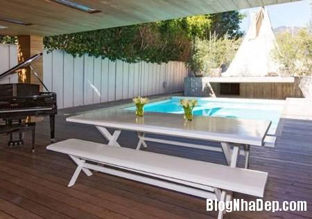 file 00776 Pamela Anderson rao bán dinh thự sang trọng của cô tại Malibu, Mỹ