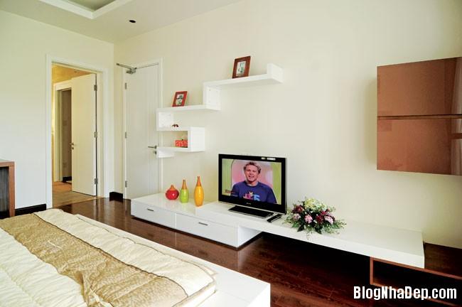 file 01132 Căn nhà đơn giản dễ thương và nữ tính nơi góc phố