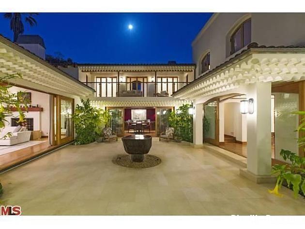 file 01221 Biệt thự phong cách Tây Ban Nha ở Beverly Hill