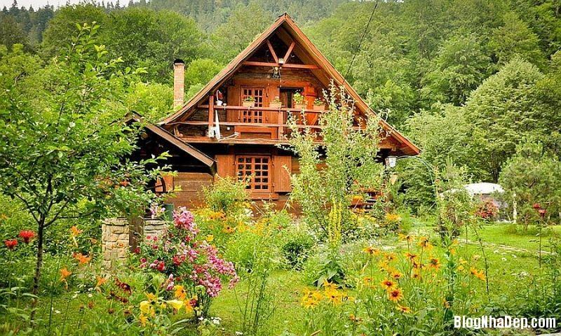 file 0134 Ngôi nhà thanh bình dưới chân núi