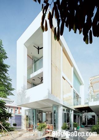 file 01419 Biệt thự độc đáo đối diện sông Sài Gòn