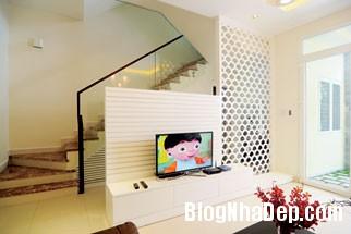 file 01522 Căn nhà đơn giản dễ thương và nữ tính nơi góc phố