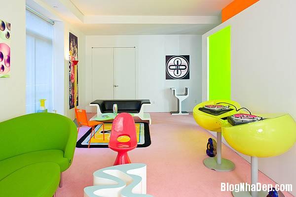 khong gian sinh dong1 Thiết kế nội thất kết hợp nhiều màu sắc nổi bật