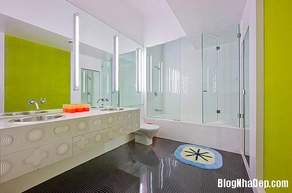 khong gian sinh dong10 Thiết kế nội thất kết hợp nhiều màu sắc nổi bật