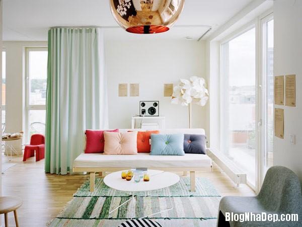 living room mint green drap Trang trí nội thất nhà bằng họa tiết kẻ sọc