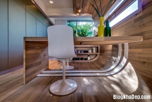 tac ke 5 2556d Căn hộ hình ống xinh đẹp với thiết kế thông minh